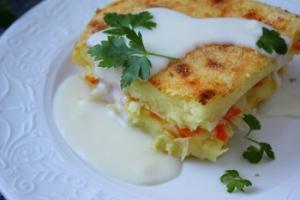 Запеканка картофельная с овощами