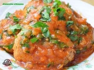 Мясные фрикадельки в томатном соусе